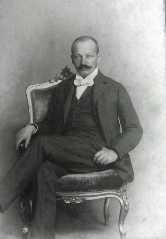 Fotografija starijeg brata – Paja Jovanović snimljen u periodu 1893–1896.