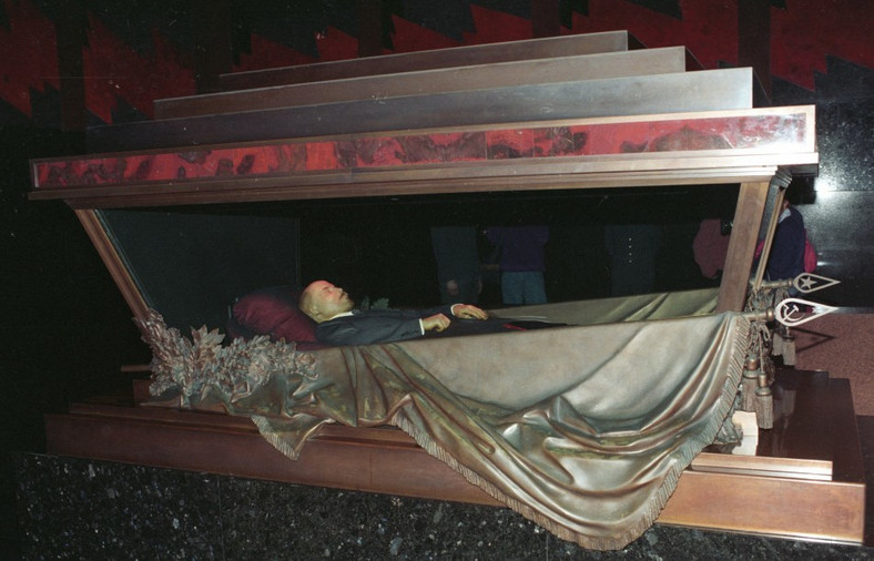 Lenin's embalmed corpse on display at Red square. (IBTimes Uk)