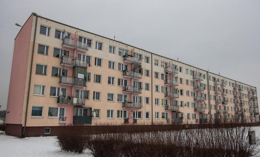 Miasto płaci odszkodowania, bo brakuje mieszkań socjalnych.