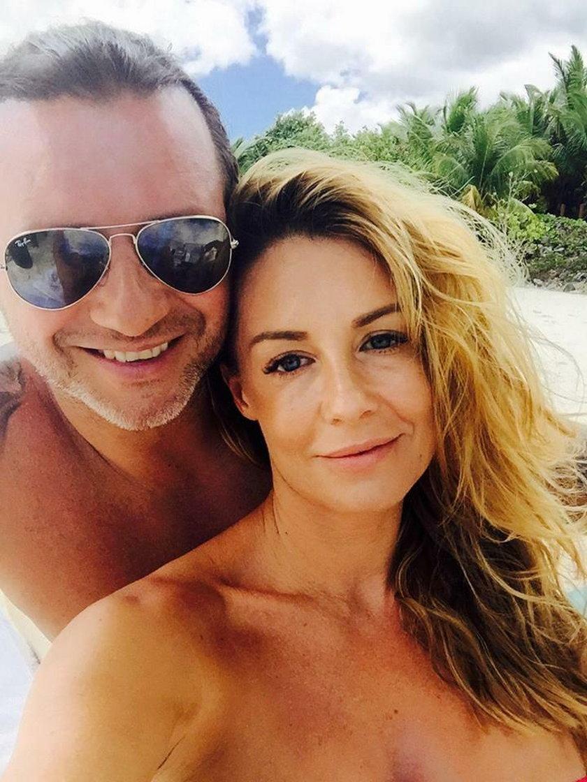 Radosław Majdan z żoną