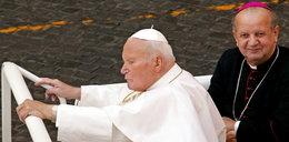 """Kard. Dziwisz """"przebacza ojczyźnie"""". Odpowiada na zarzuty pod adresem Jana Pawła II"""