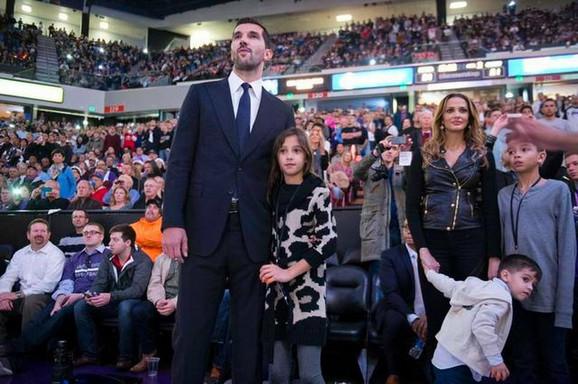 Porodica: S Kamilom Alekom ima troje dece, ćerku i dva sina
