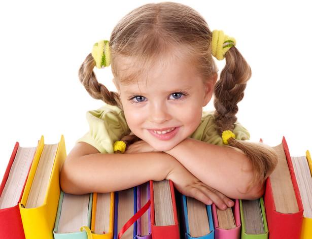 To już czwarty rok, kiedy część uczniów musi kupować nowe zestawy do nauczania.