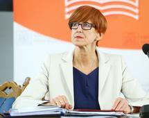 Minister Elżbieta Rafalska uważa, że spadek ubóstwa w Polsce to efekt m.in. wprowadzenia programu 500 Plus