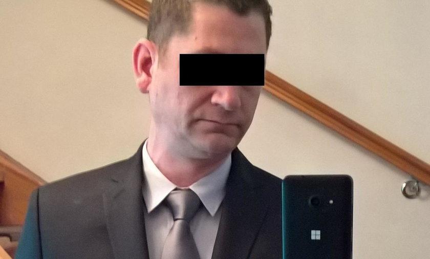 Oficer niemieckiej policji umówił się na seks z dzieckiem