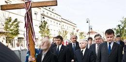 Kaczyński o krzyżu: Jesteśmy narodem katolickim i....