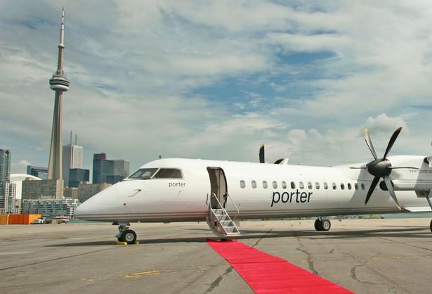Samolot Bambardier Q400 wytwarzany w zakładach lotniczych w Toronto w Kanadzie