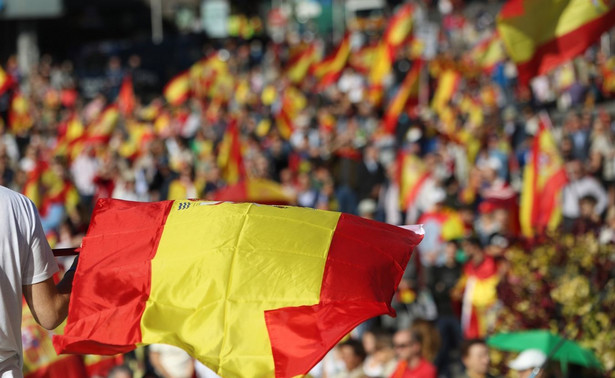 W sobotę rano rząd Rajoya przejął bezpośrednią kontrolę nad Katalonią.