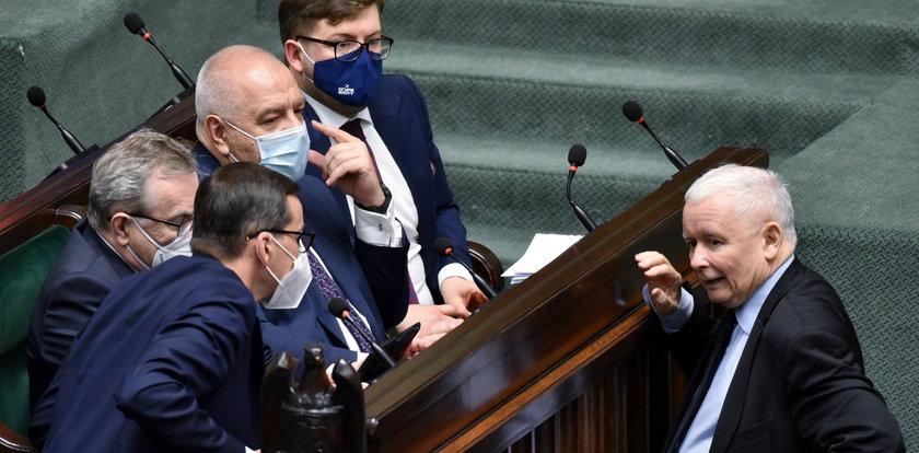 Podwyżki dla parlamentarzystów? Kaczyński miał im to obiecać