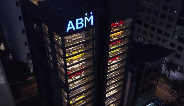 """Największy """"automat"""" z egzotycznymi autami jest w Singapurze"""