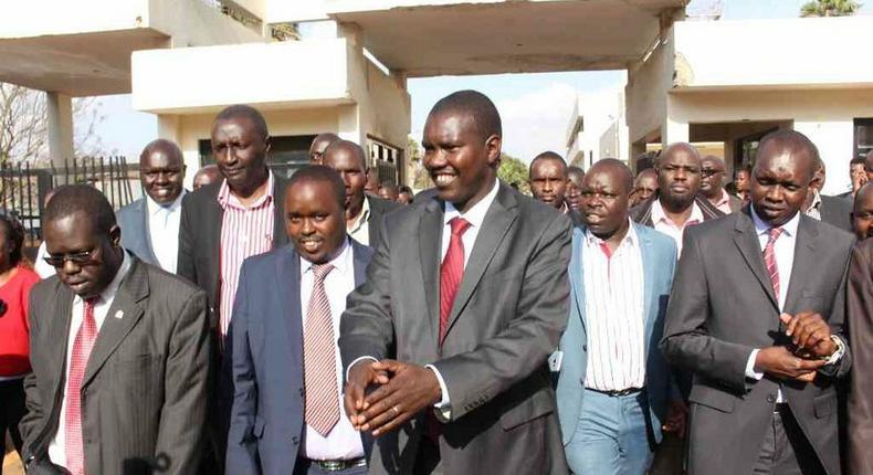 Governors Alex Tolgos (Elgeyo Marakwet), Jackson Mandago (Uasin Gishu), MP Oscar Sudi and other leaders leave the CID headquarters in Nairobi.