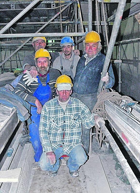 Građevinci kažu da uživaju dok rade i da im je čast što obnavljaju jednu ovako vrednu građevinu
