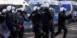 Poszedł na protesty, został zatrzymany. Co wydarzyło się w radiowozie? Zdjęcia budzą grozę