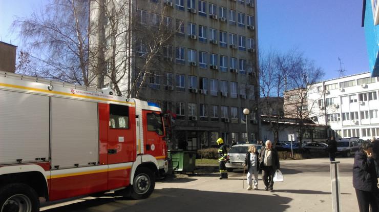 Evakuacija zaposlenih zbog dojave o bombi u opštinskom sudu