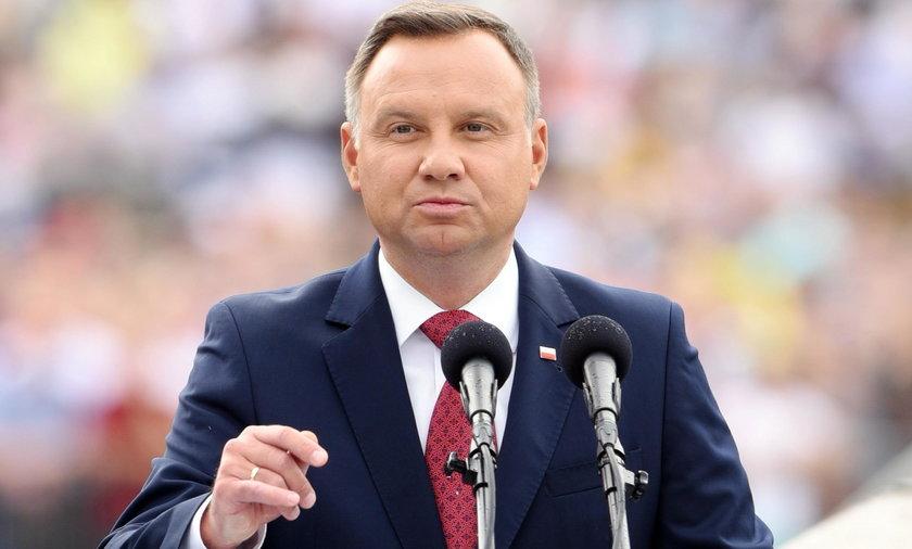 Duże nagrody w kancelarii prezydenta Andrzeja Dudy