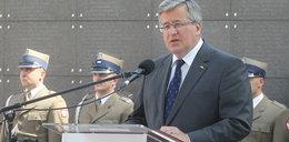 Wpadka Komorowskiego podczas uroczystości: Virtuti militarne!