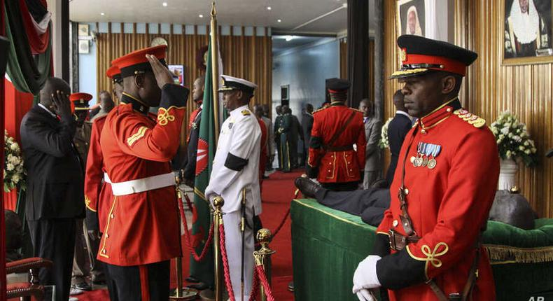 Kenyans viewing body of the late retired president Daniel Moi