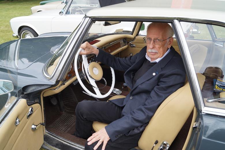 Paul Bracq za kierownicą Mercedesa Pagody