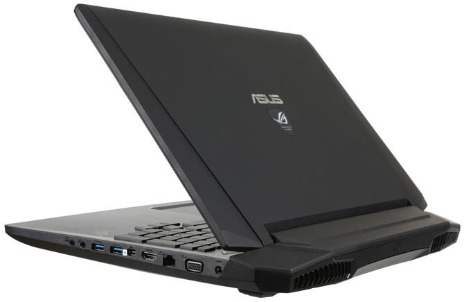 Specyfikacja: Intel Core i7-4700, GeForce GTX 870M, 8 GB RAM, dysk 1 TB, ekran 17,3 cala 1920 x 1080 pikseli, Windows 8.1