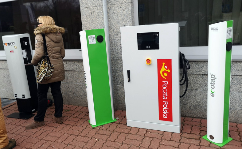 Poczta Polska przetestuje także ładowarki