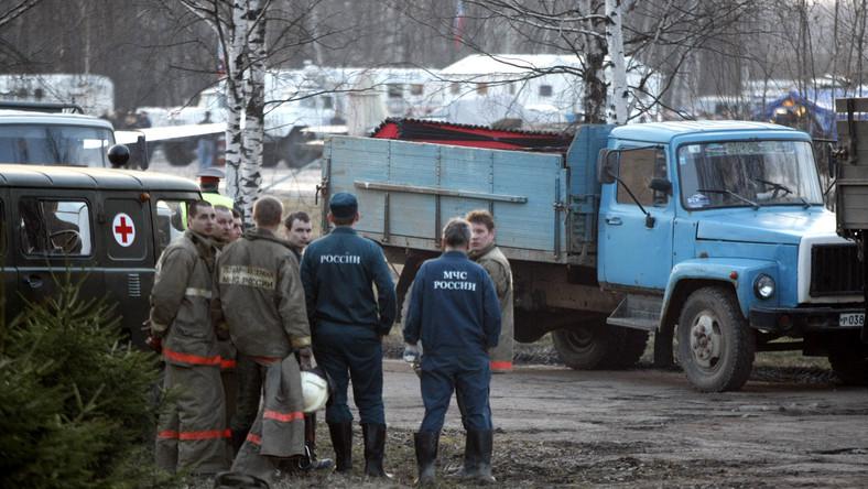 Prokuratorzy wracają ze Smoleńska z próbkami