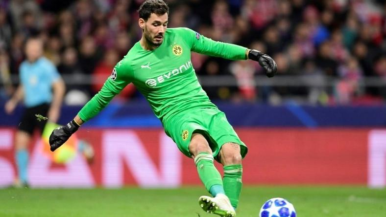 Borussia Dortmund's Swiss goalkeeper Roman Buerki has been ruled out of Saturday's Bundesliga clash agaisnt reigning champions Bayern Munich, according to a report.