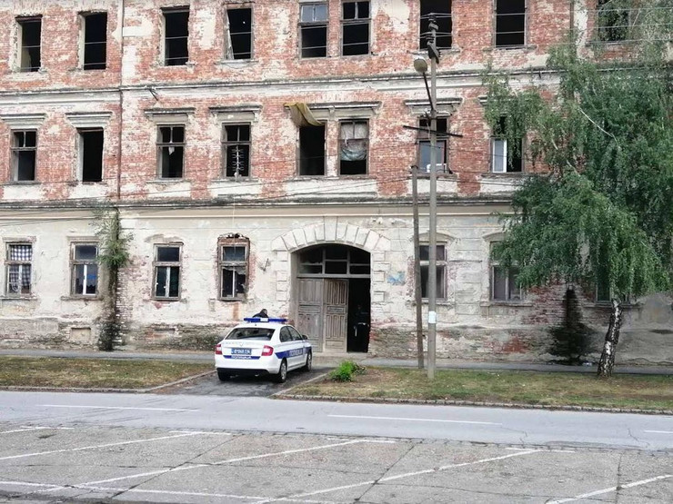 Napušteni objekat u kom je mladić silovan