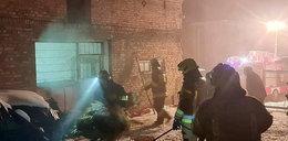Ewakuacja kangurów z Murzynowa. Cztery zastępy strażaków gasiły siano na klepisku
