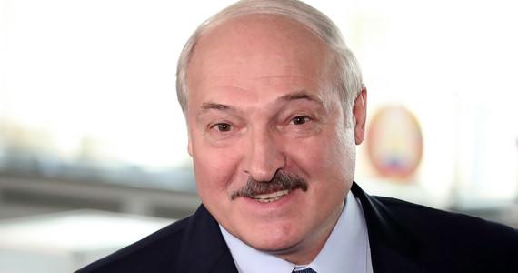 Białoruś. Wybory prezydenckie. Rządowy exit poll: wygrywa ...