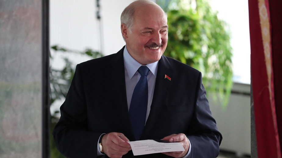 Aleksander Łukaszenko głosuje w wyborach prezydenckich, 9 sierpnia 2020 r.