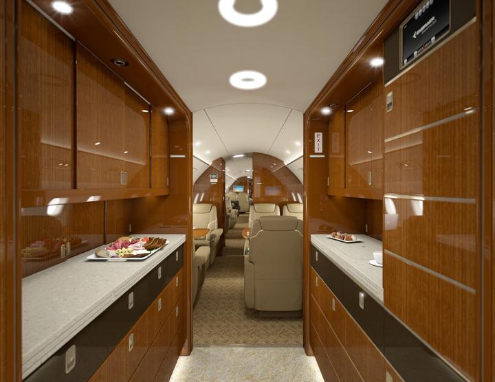 Na pokładzie samolotu jest też kuchnia...