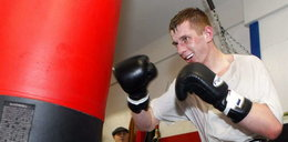 Bokser Gołoty wchodzi do ringu