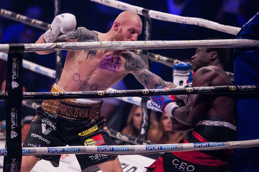 Jeśli Ryan Ford (37 l.) chce jeszcze namieszać w boksie –a takie ma ambicje –to 23 listopada w Dąbrowie Górniczej musi pokonać Roberta Parzęczewskiego (26 l.).
