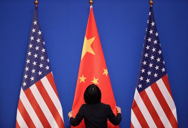 USA powinny natychmiast zaprzestać ingerencji w wewnętrzne sprawy Chin – powiedziała dziennikarzom Hua na rutynowym briefingu w Pekinie.