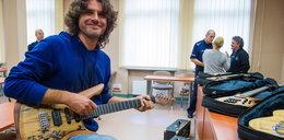 Poznańscy policjanci odzyskali gitary warte przeszło 100 tys. zł
