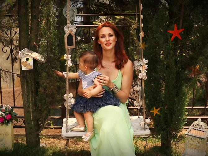 Za ove slatke roditeljske muke svi imaju rešenje, a ova poznata mama otkriva šta zaista deluje