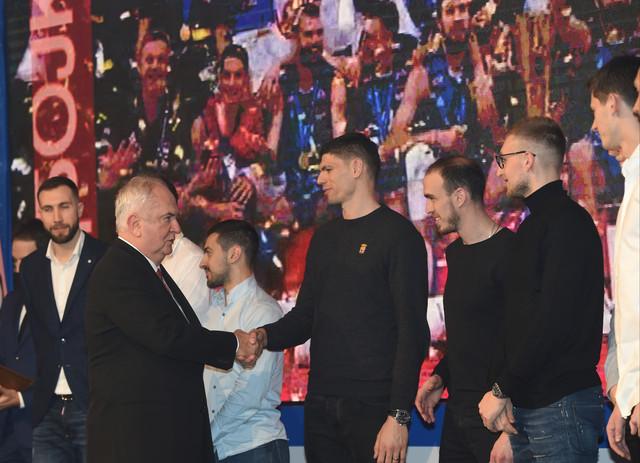 Božidar Maljković i laureati na svečanosti Olimpijskog komiteta Srbije