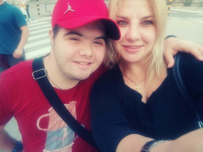 Lazar Selaković sa mamom Tanjom Selaković