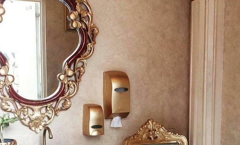 Co za luksusy! Tak wygląda publiczna toaleta