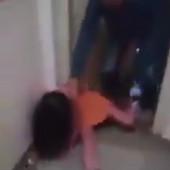 """""""MAMA, MAMA!"""" Žena na silu izbačena iz stana na Voždovcu, njeno dete gledalo POTRESNU SCENU (VIDEO)"""