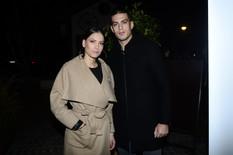 KAKVE NOGE Mirka sa Vujadinom došla u restoran, a kad je skinula kaput svi su obratili pažnju na MINIĆ