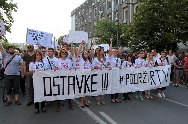RTV protest1 foto Nenad Mihajlovic