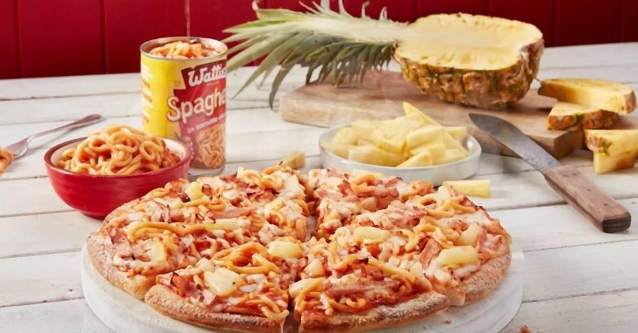 Es gibt jetzt Pizza Hawaii mit Dosen-Spaghetti!
