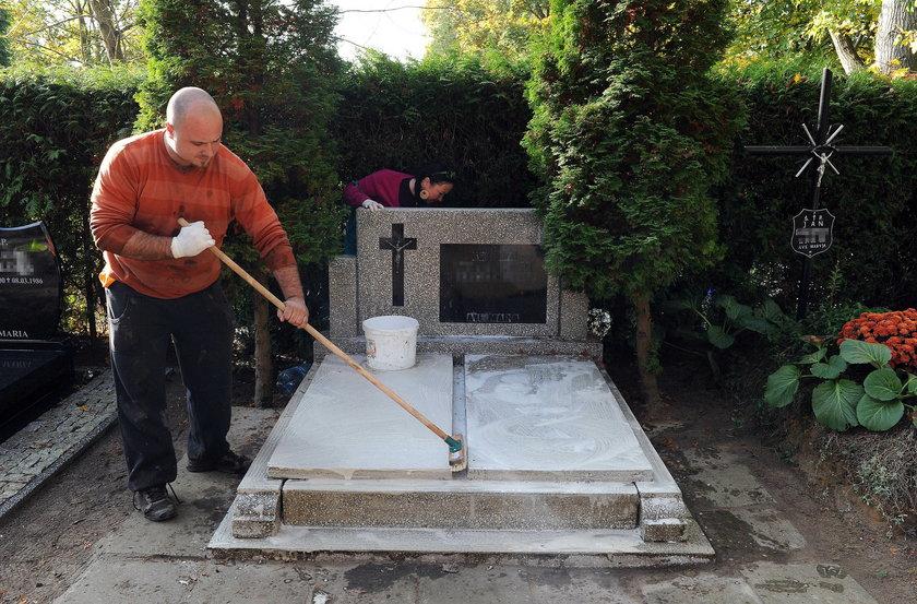Firma posprząta grób