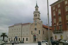 Kinez došao u Split kolima sa beogradskim tablicama, a evo šta je uradio da ga ne bi dirali (FOTO)