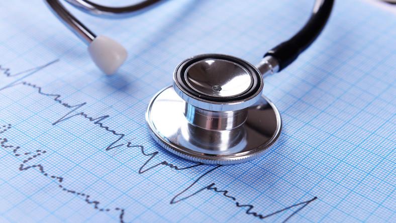 Stetoskop i kardiogram