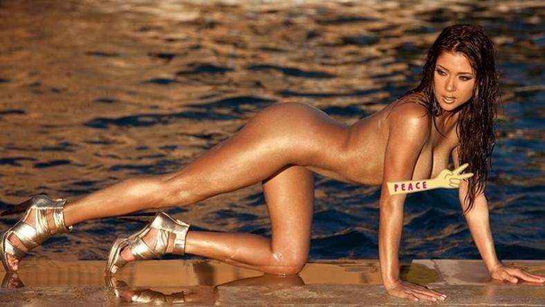 """W rozgrzewaniu twardzieli z MMA nie ma sobie równych. Arianny Celeste jest jedną z najsłynniejszych ring girl na świecie, a ostatnio jej wdzięki docenił także """"Playboy"""". Modelka została uznana przez pismo za jedną z najseksowniejszych kobiet na Instagramie."""