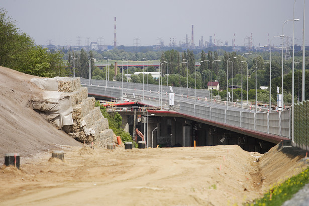 Konsorcjum Hydrobudowy, PBG, Aprivii i SIAC nie wywiązało się z umowy, a na dodatek chciało zwiększenia wartości kontraktu o 200 mln zł.