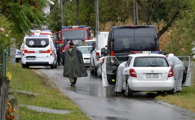 Na mesto nesreće odmah su izašli vatrogasci i hitna pomoć