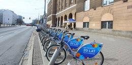 Warszawiacy chcą korzystać z rowerów miejskich